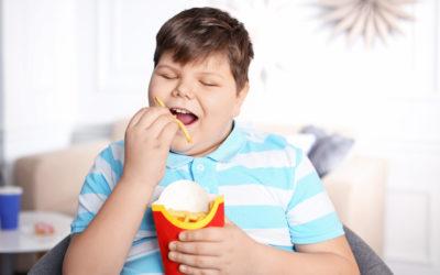 Przyczyny powstawania otyłości u najmłodszych